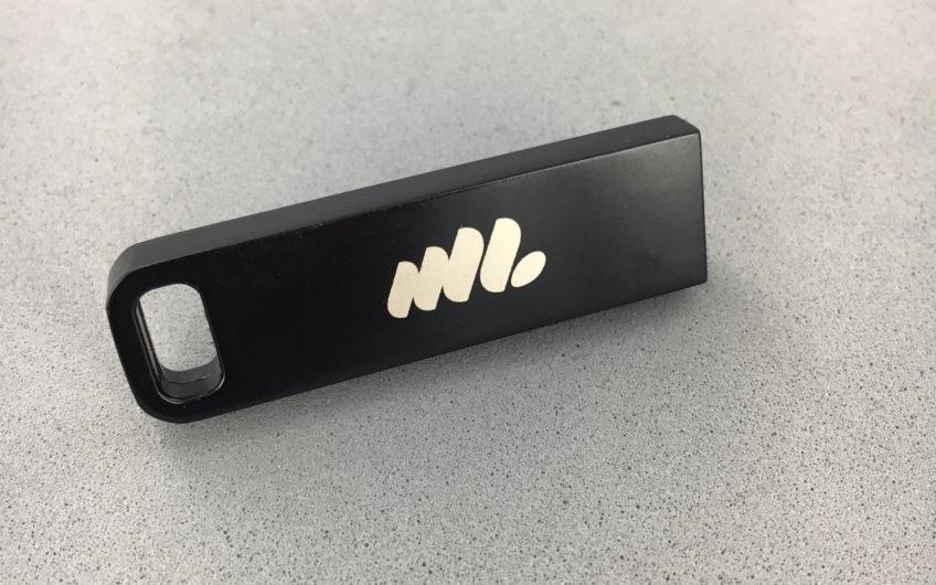 Clé USB IRON métal noire
