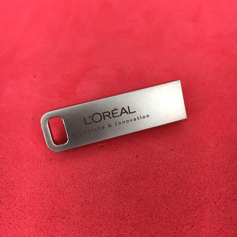 clé usb iron imprimée l'oréal